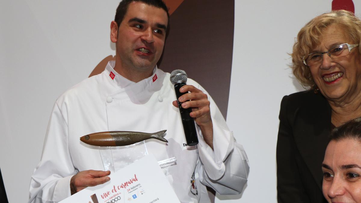 David Cristóbal, ganador de la sardina de chocolate del Carnaval 2017. (Foto: Acyre)