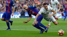Penalti de Mascherano a Lucas en el Barcelona vs Real Madrid que el colegiado no pitó