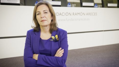 Reyes Calderón es consejera del Banco Popular y de OHL y experta en Gobierno Corporativo.