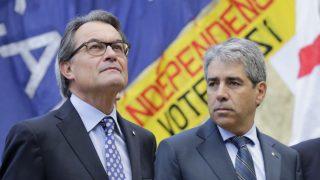 Artur Mas y Francesc Homs. (Foto: AFP)
