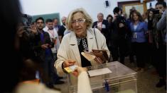 La alcaldesa Manuela Carmena votando en las últimas elecciones municipales. (Foto: GETTY)