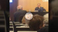 Jordi Pujol, humillado por el público en una conferencia sobre nacionalismos.