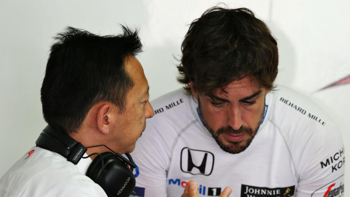 Fernando Alonso está profundamente molesto con Honda tras los problemas que está experimentando el propulsor japonés en las pruebas de pretemporada en Montmeló. (Getty)
