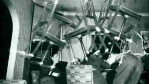 Fenómenos paranormales en la ya inexistente tienda de antigüedades madrileña 'El baúl del monje'.