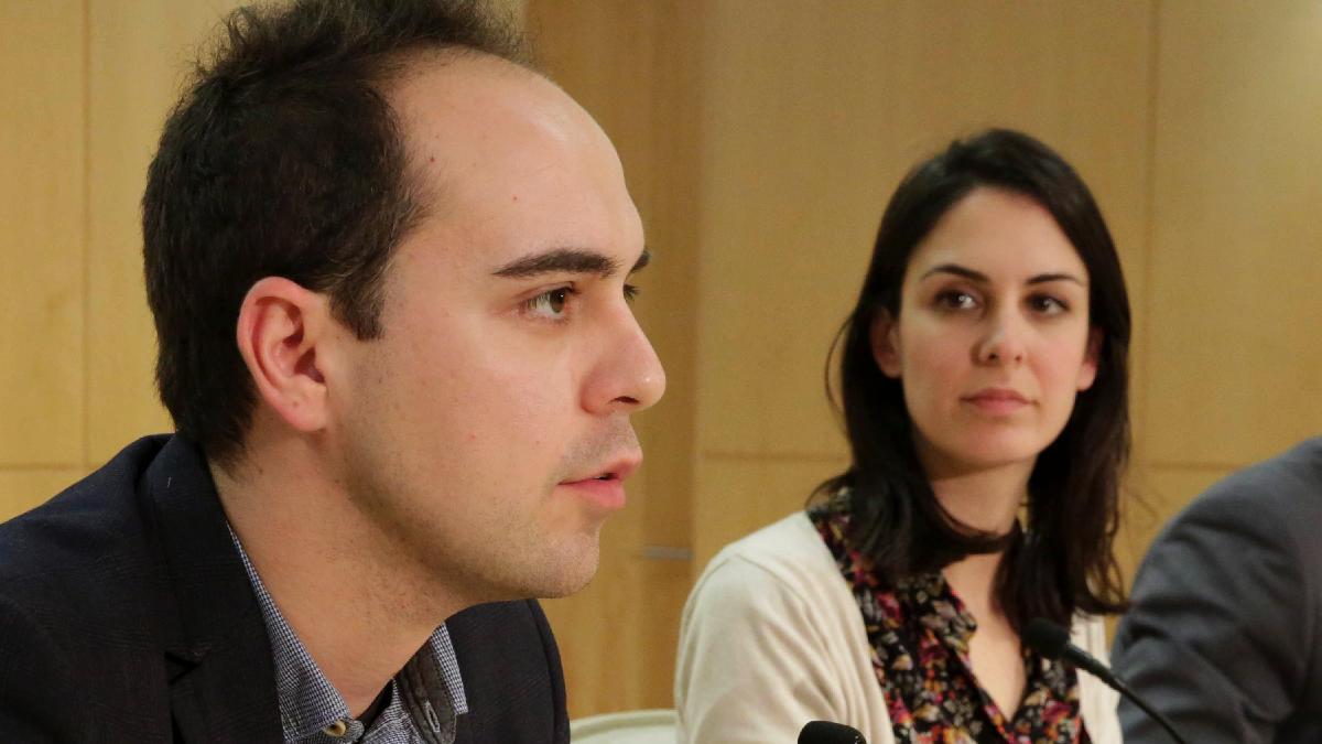 José Manuel Calvo junto a Rita Maestre. (Foto: Madrid)