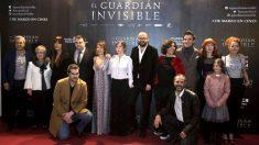 La actriz Miren Gaztañaga (segunda por la derecha), en la presentación de 'El guardián invisible'.