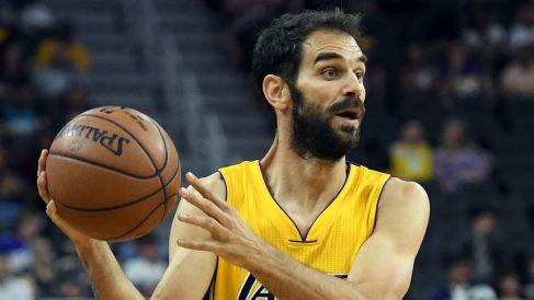 José Manuel Calderón en partido de los Lakers. (AFP)