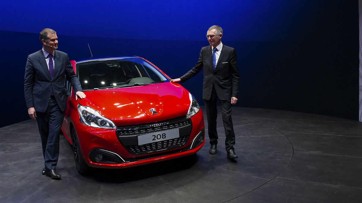 Presidente de Peugeot, Maxime Picat junto al presidente de PSA Peugeot Citroen, Carlos Tavares. (Foto: Getty)