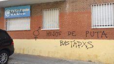 Así apareció la sede del PP en el distrito de Barajas.