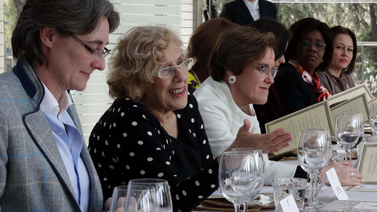 La alcaldesa de Madrid, Manuela Carmena, en un encuentro con mujeres. (Foto: Madrid)