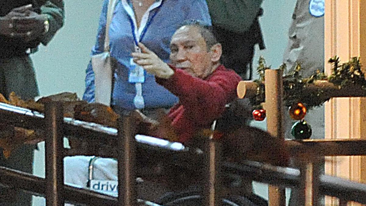 El ex dictador panameño Manuel Noriega en una foto reciente entrando en un hospital. (Foto :AFP)