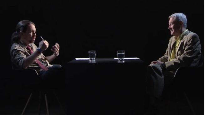 Pablo Iglesias entrevista a Jorge Verstrynge en el programa La Tuerka