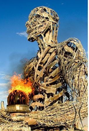 Burning Man ~ 2017 Burning-man-festival-visita-las-fallas-2016-0