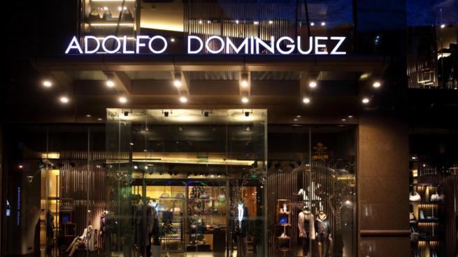 Adolfo dom nguez a la conquista del mercado ruso abre su for Tiendas adolfo dominguez valencia