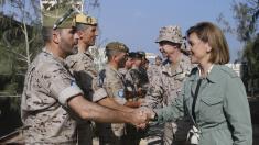 La ministra de Defensa, María Dolores de Cospedal, visita a nuestros soldados en EUTM Somalia. (Foto: Defensa)