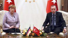 Angela Merkel y Recep Tayyip Erdogan en una imagen de archivo. (Foto: AFP)