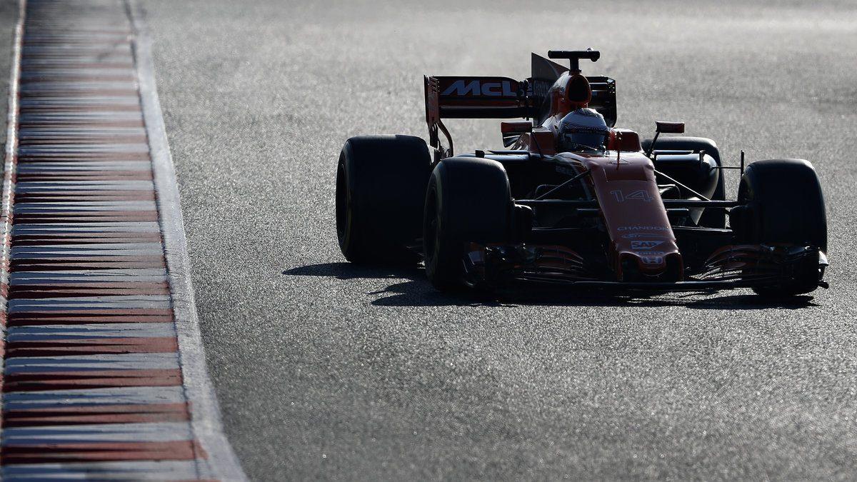 Fernando Alonso durante su última día de test en Montmeló Getty)