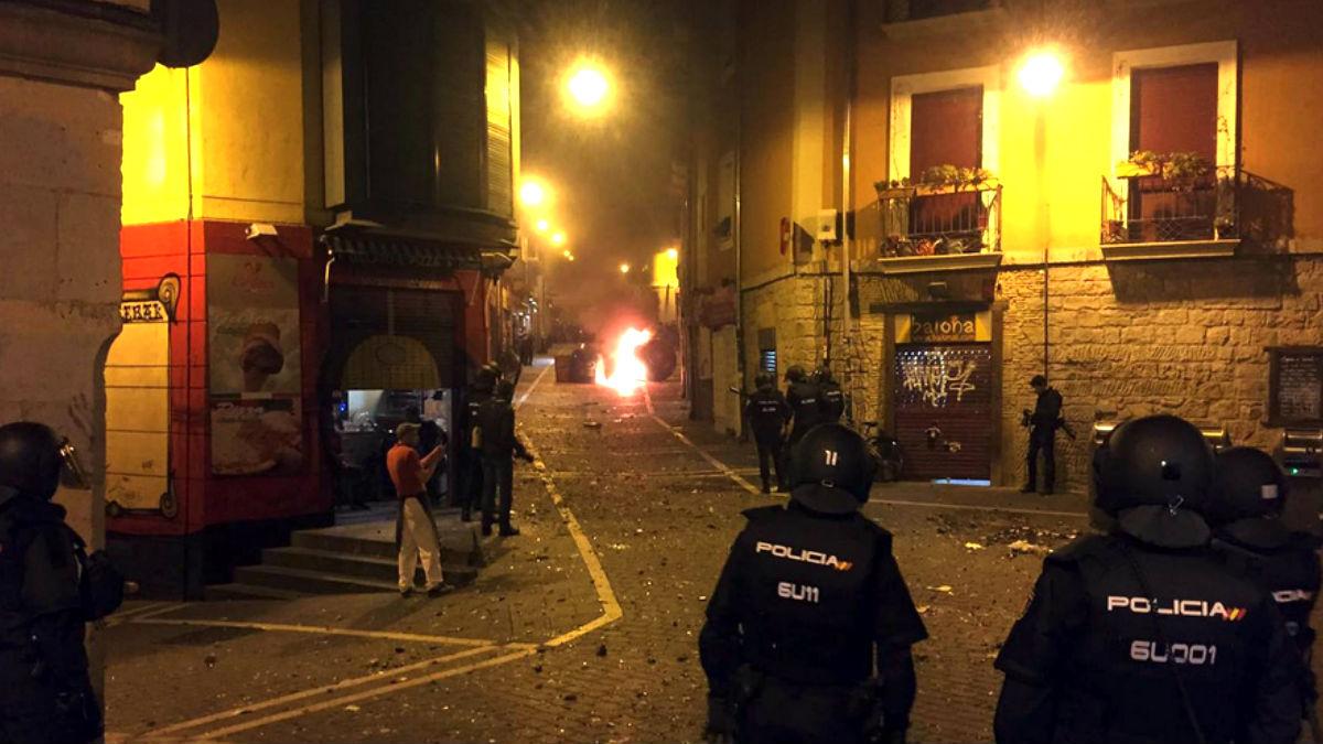 Imagen de los disturbios en las calles de Pamplona (Foto: Diario de Navarra).