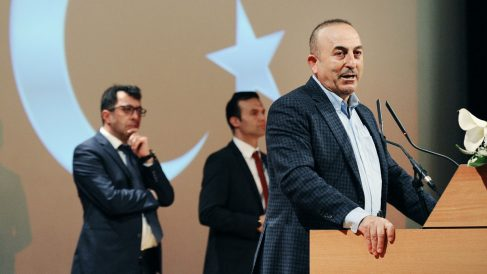 El ministro de Exteriores turco Mevlut Cavusoglu (Foto: AFP)
