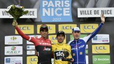 Contador, junto a Henao y Martin, en el podio de la París-Niza. (AFP)