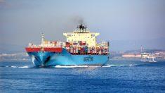 Contenedores en un barco (Foto: Pixabay).