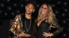 Neymar posa junto a su hermana Rafaella en la fiesta de cumpleaños.