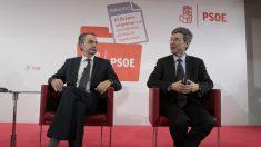 El ex presidente José Luis Rodríguez Zapatero y Jeffrey Sachs. (Foto: F. Toledo)