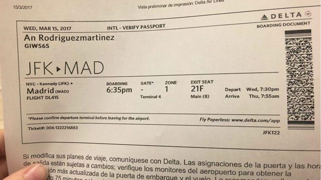 Billete de avión de la diputada de Podemos Ángela Rodríguez (Foto: Twitter)