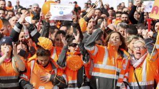 Estibadores del puerto de Algeciras. (Foto EFE)