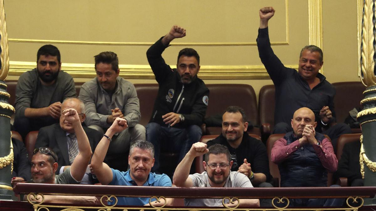 Estibadores en el Congreso (Foto: EFE).