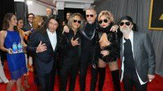Los integrantes de la banda Metallica, junto a Lady Gaga en la pasada edición de los premios Grammy. Foto: AFP