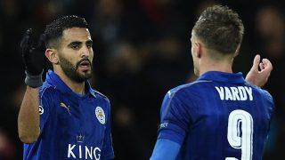 Mahrez y Vardy celebran un tanto con el Leicester
