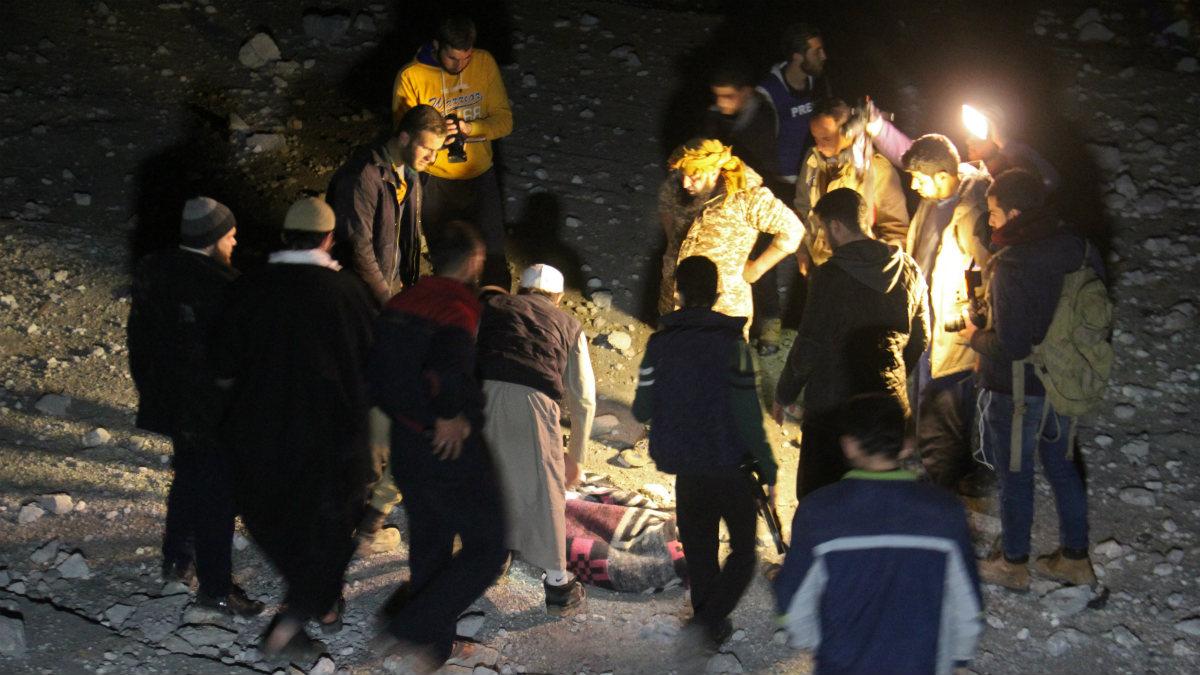 Ataque a la mezquita de Al Jina, Siria, donde al menos murieron 42 personas (Foto:AFP)