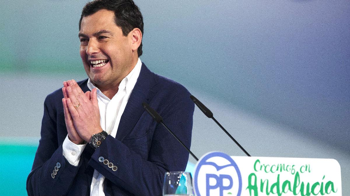 Juanma Moreno tras ser reelegido presidente del PP de Andalucía (Foto: Efe).