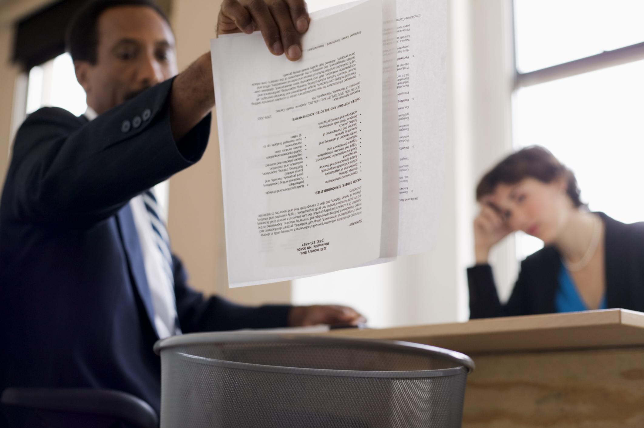 5 cosas que no debes incluir en tu currículum vitae