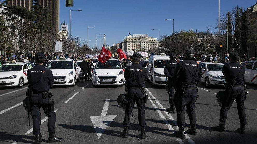 Huelga de taxis en Madrid (Foto: EFE)