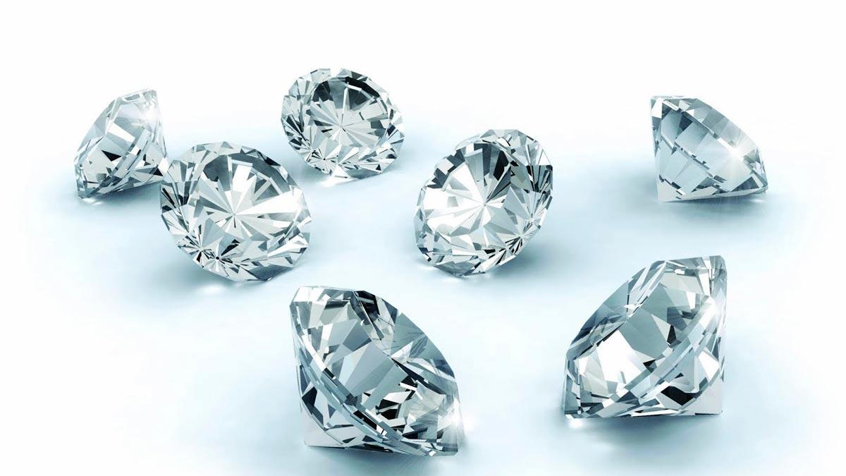 Encuentran un diamante de 910 quilates, de los más grandes del mundo