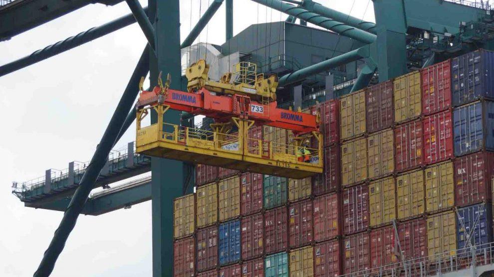 Puerto en funcionamiento con estibadores (Foto: Getty)