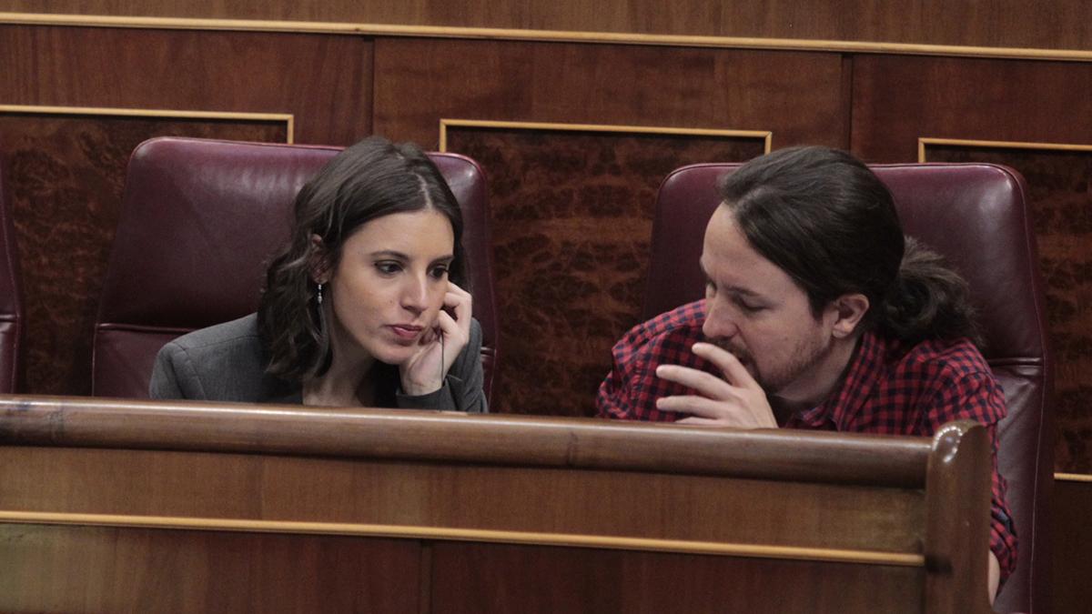 Irene Montero y Pablo Iglesias en el Congreso (Foto: Francisco Toledo)