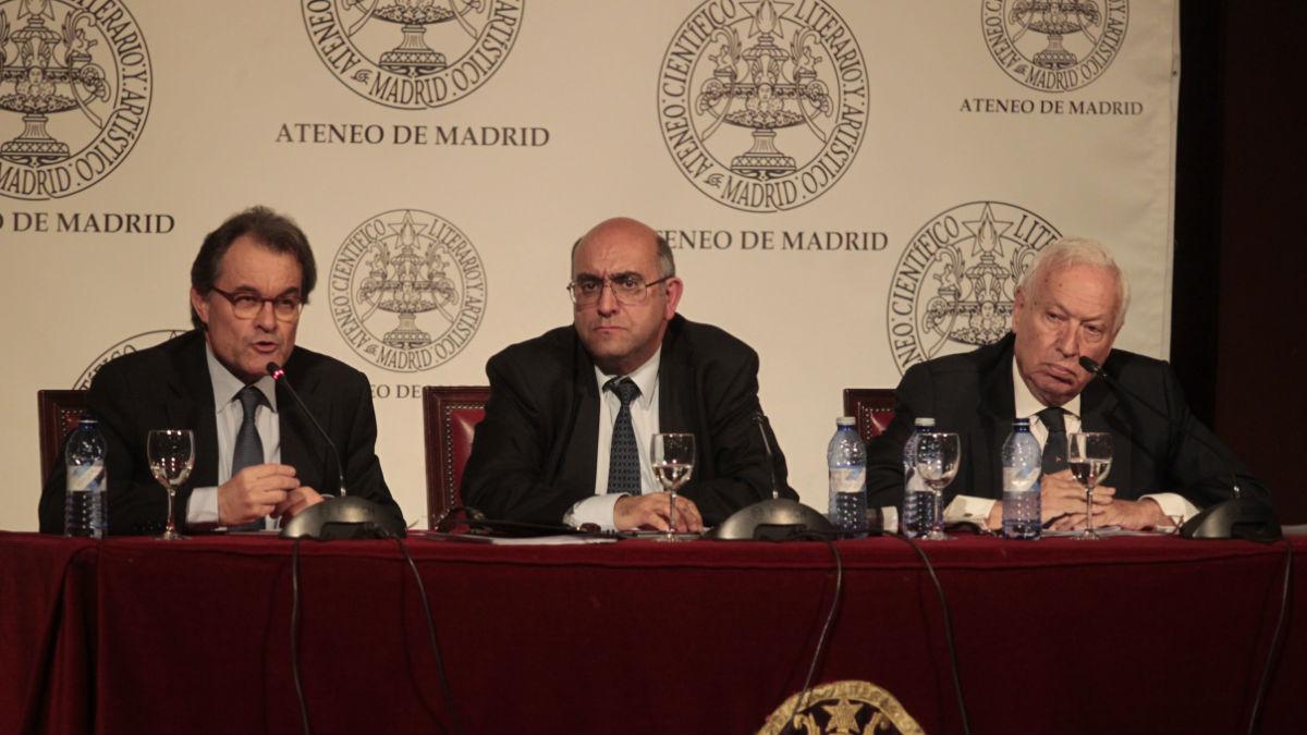 Debate entre Mas y García-Margallo, este martes, en Madrid.