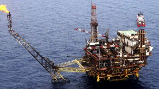 Una planta marina de extracción de petroleo.