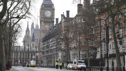 Alrededores del Parlamento 24 horas después del atentado. (Foto: AFP)