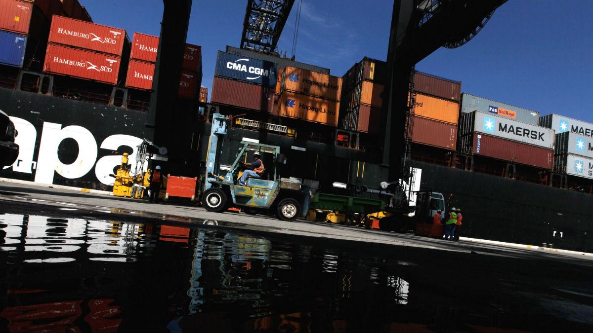 Estibadores en un puerto (Foto: GETTY).