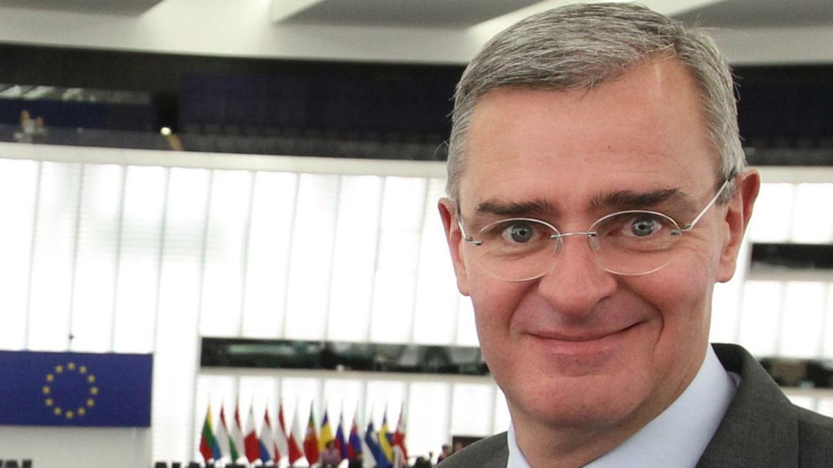 Marc Joulaud, el diputado que ocupó en 2002 el escaño que dejó vacante François Fillon en la Asamblea Nacional (Foto:Twitter)