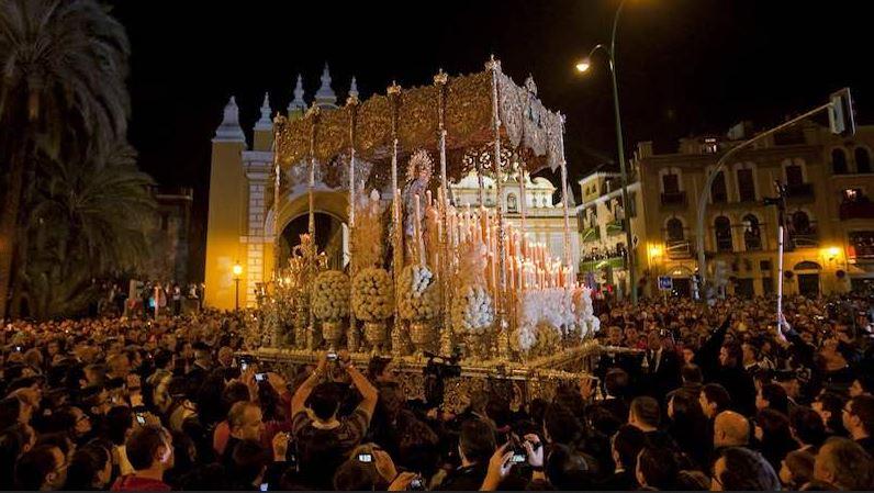 Procesiones semana santa sevilla 2017 itinerarios y horarios - Horario merkamueble sevilla ...