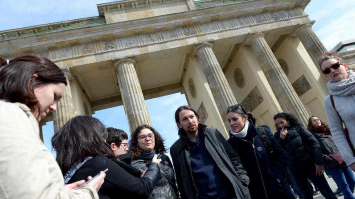Iglesias y Montero en Berlín. (Foto: Podemos)