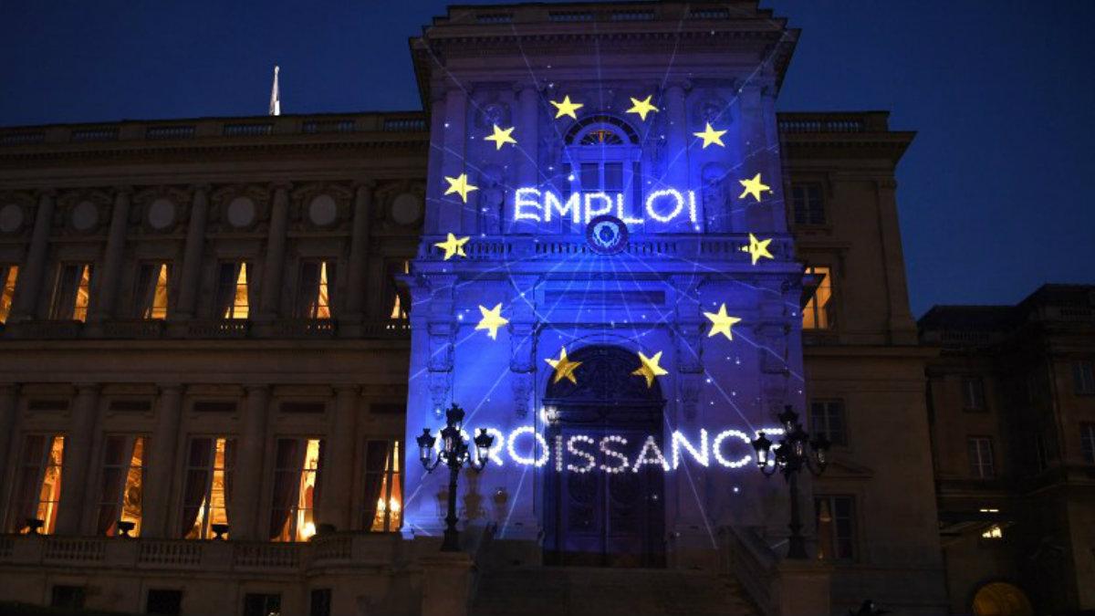 Una proyección mapping en Roma como parte de las celebraciones por los 60 años de la Unión Europea. Foto: AFP