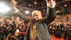 Alfonso Guerra ovacionado en el acto de apoyo a la candidatura de Susana Díaz. (Foto: Francisco Toledo / OKDIARIO)