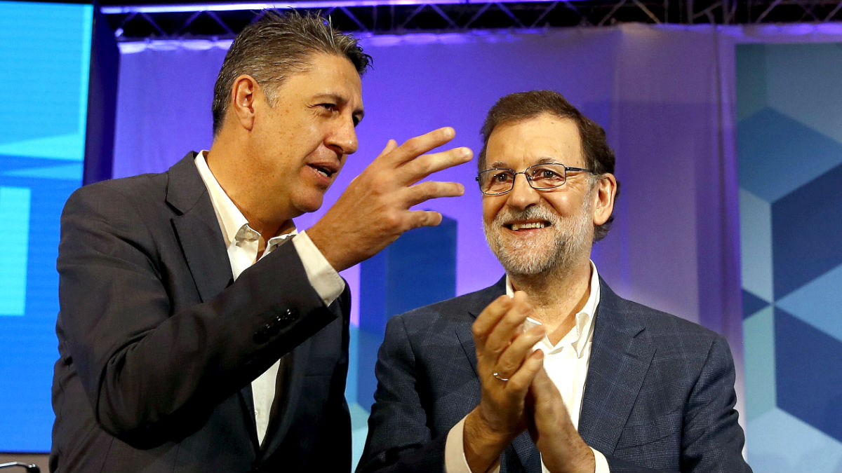 Mariano Rajoy junto a Xavier García Albiol. (Foto: EFE)
