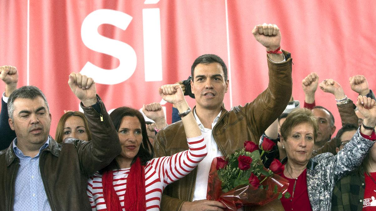 Pedro Sánchez en el acto de este domingo en Valencia (Foto: Efe).